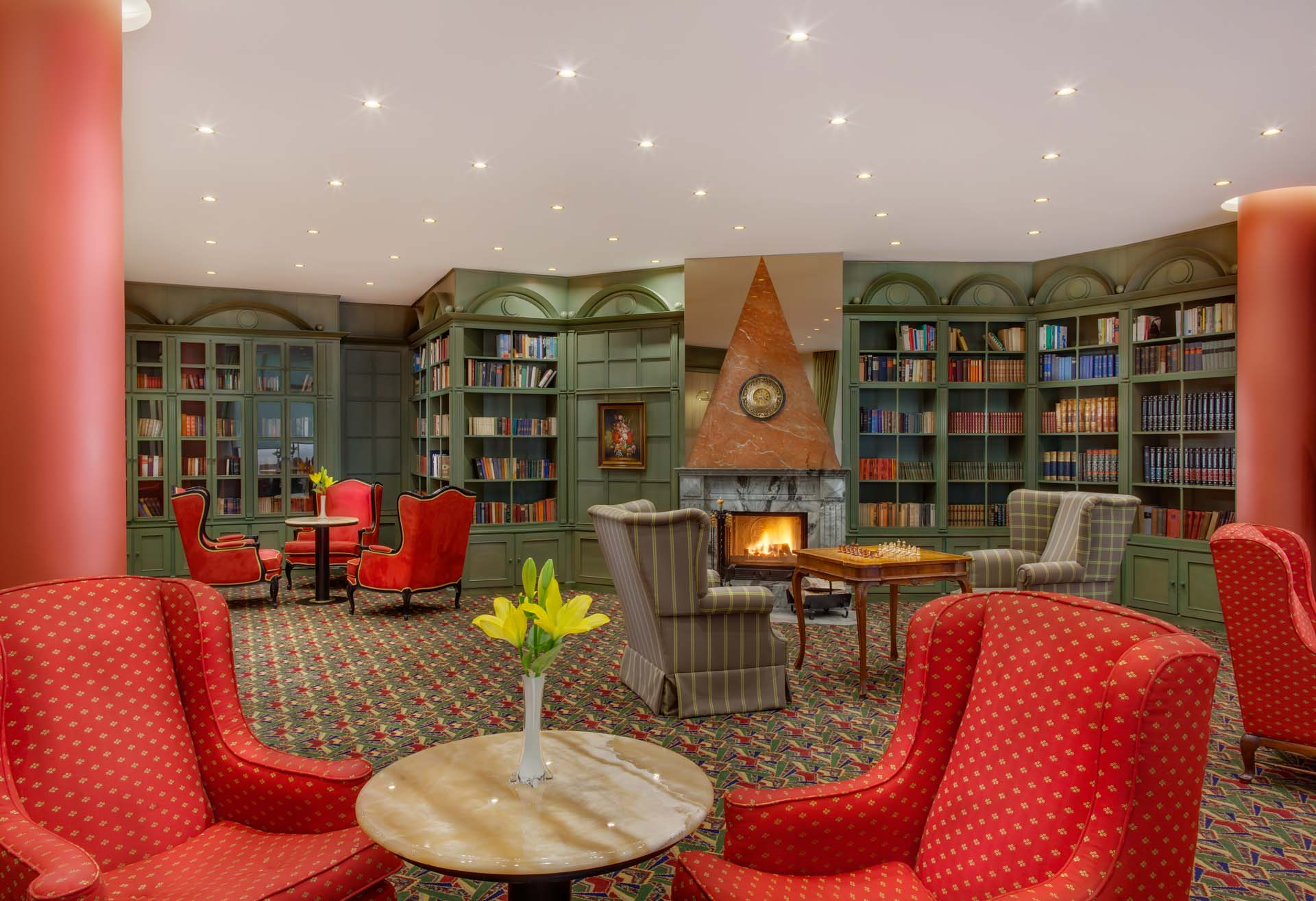 Library of the Hotel Savoy Prague