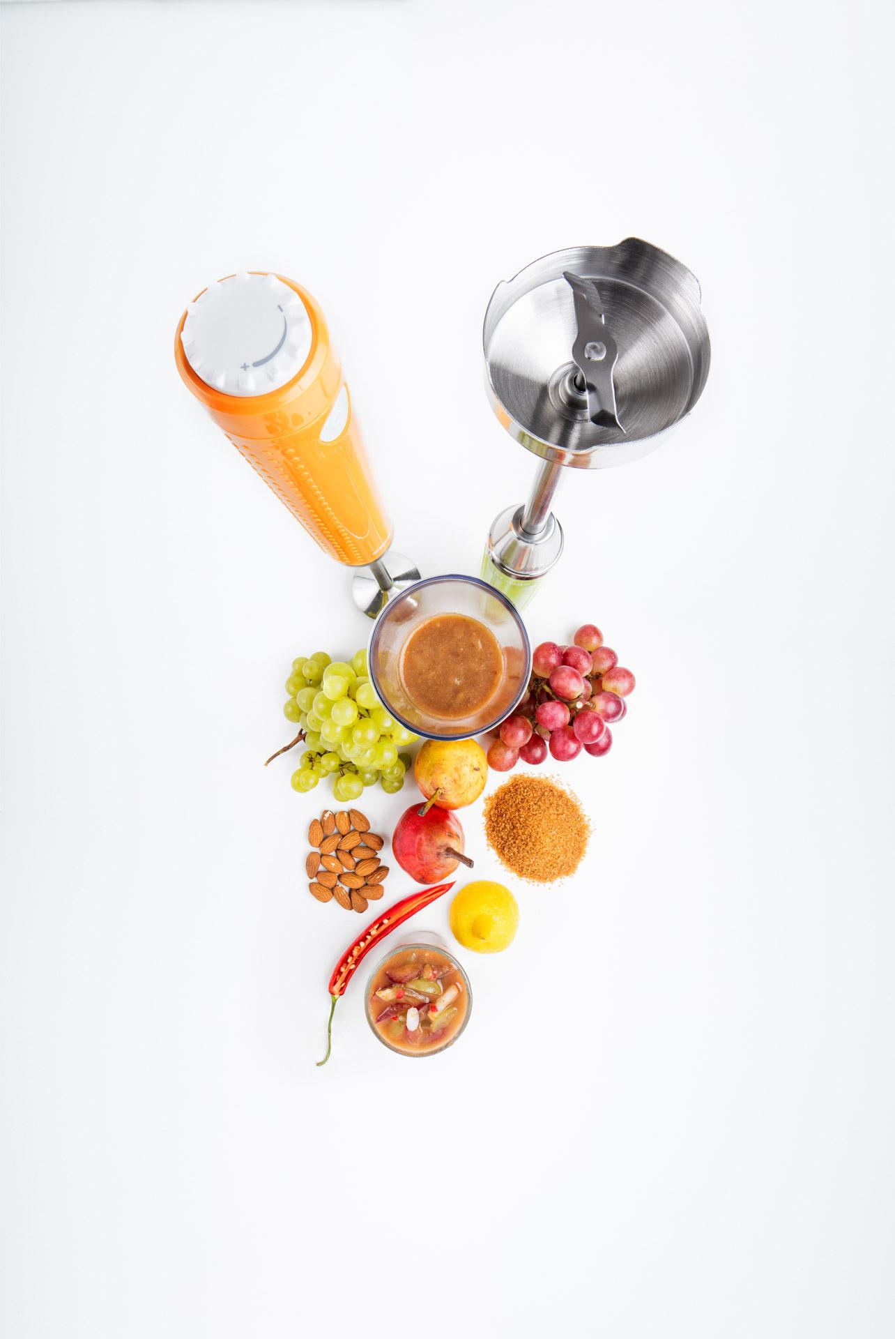 Sencor Blender with ingredients for grape chutney
