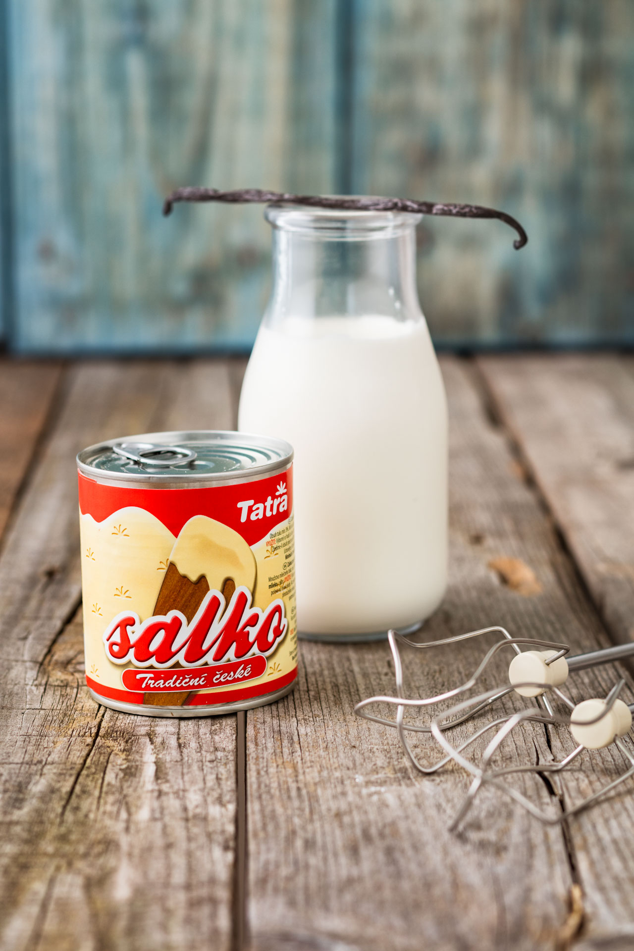 Ingredients for Vanilla ice recipe, tatra salko and cream